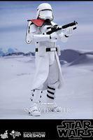 Foto de Star Wars Episode VII Figura Movie Masterpiece 1/6 First Order Snowtrooper Officer 30 cm