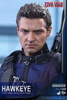 Foto de Captain America: Civil War - Movie Masterpiece Series 1/6 Hawkeye 30 cm