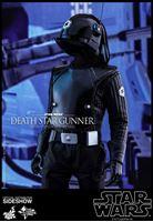 Foto de Star Wars Episode IV Figura Movie Masterpiece 1/6 Death Star Gunner 30 cm