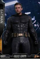 Foto de Justice League Figura Movie Masterpiece 1/6 Batman Deluxe 32 cm