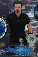 Picture of Iron Man 2 Figura Tony Stark with Arc Reactor Creation Accessories