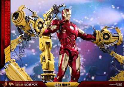 Picture of Iron Man 2 Figura Diecast Movie Masterpiece 1/6 Iron Man Mark IV & Suit-up Gantry 32 cm