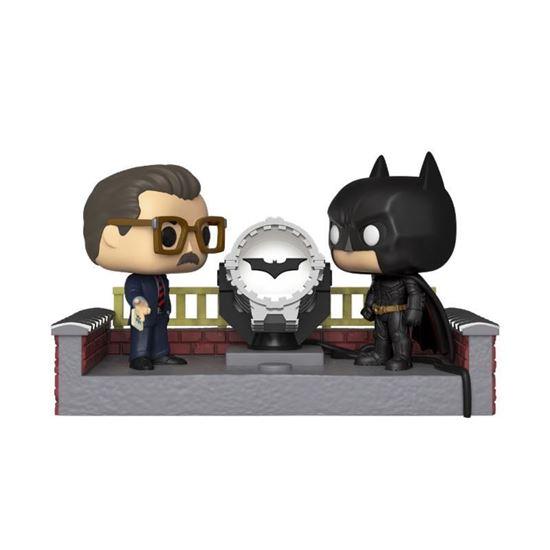 Picture of Batman's 80th POP! Movie Moment Vinyl Figura Batman with Light Up Bat Signal 9 cm