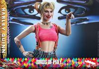 Picture of Birds of Prey Figura Movie Masterpiece 1/6 Harley Quinn (Caution Tape Jacket Version) 29 cm RESERVA